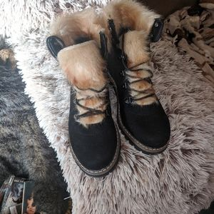 Boots size 9 faux suede with fur